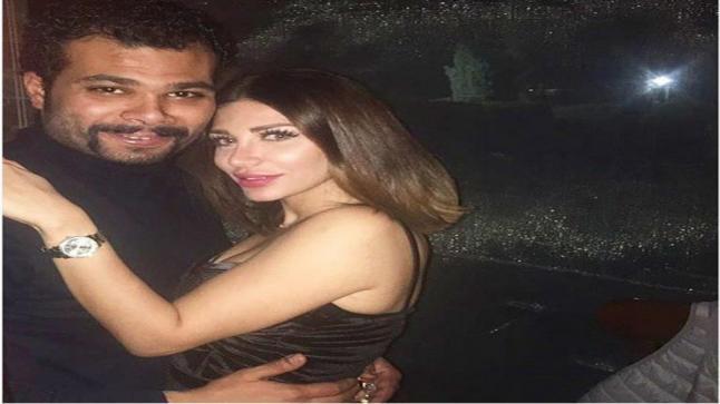أحمد عبد الله محمود ينفصل عن زوجته سارة نخلة