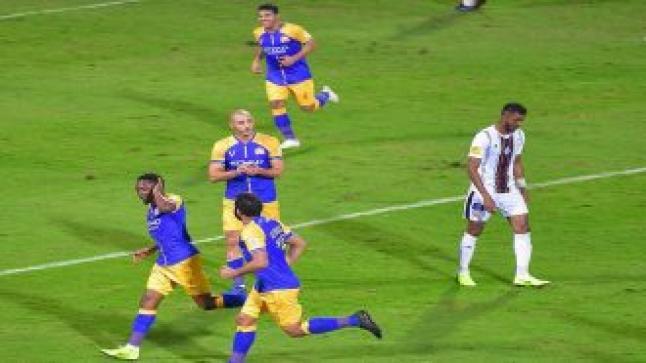 الشباب يخسر أمام النصر ومغادرة المدافع صالح القميزي للإصابة